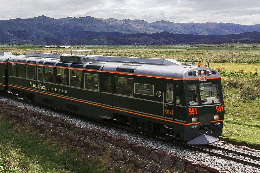 cusco to machu picchu by train - private tour Machu Picchu by train