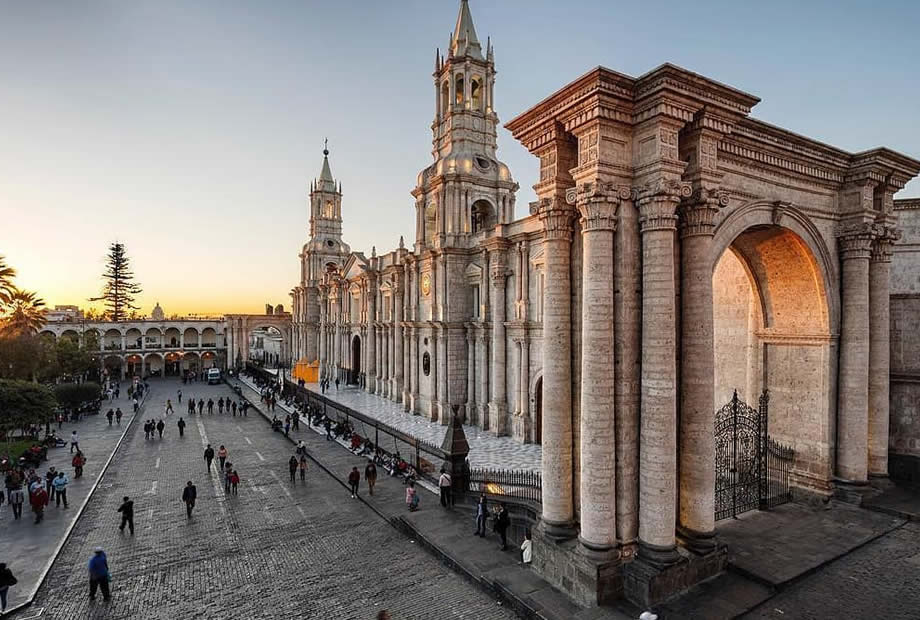 what-to-see-in-peru-arequipa-inkatime