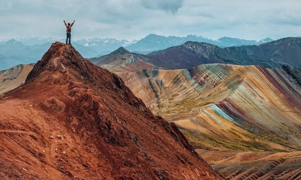 montaña arcoíris en cusco